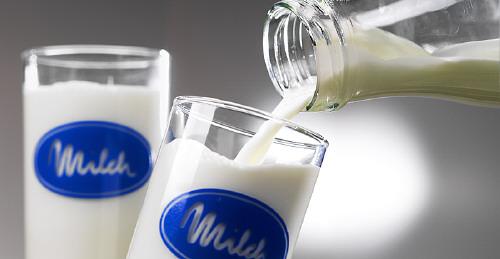 Whole milk and Skim milk