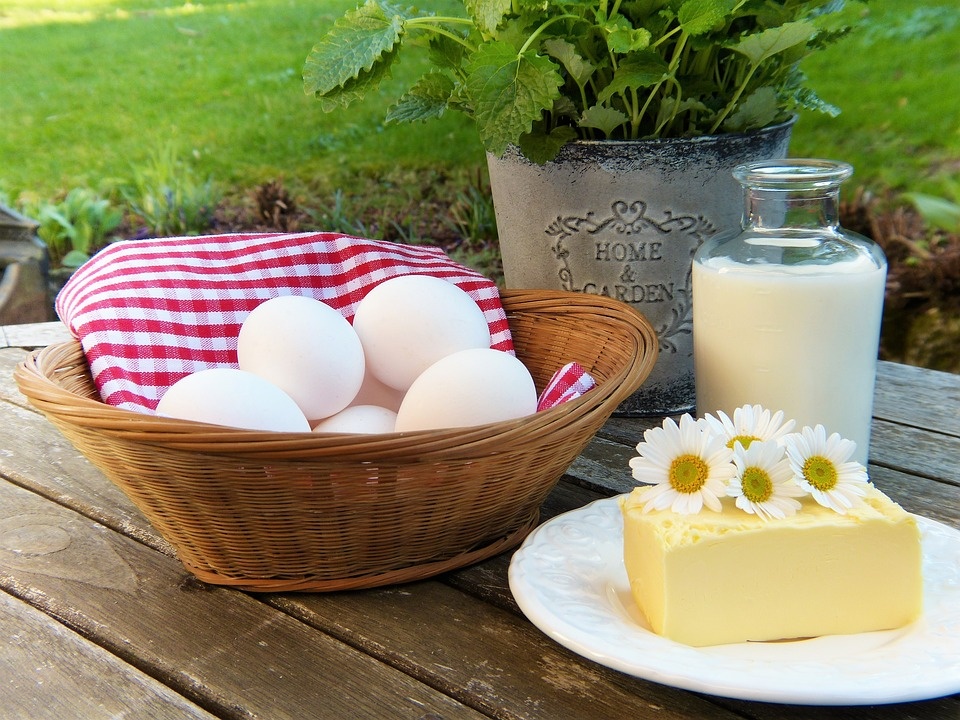 Can milk and eggs be eaten together?