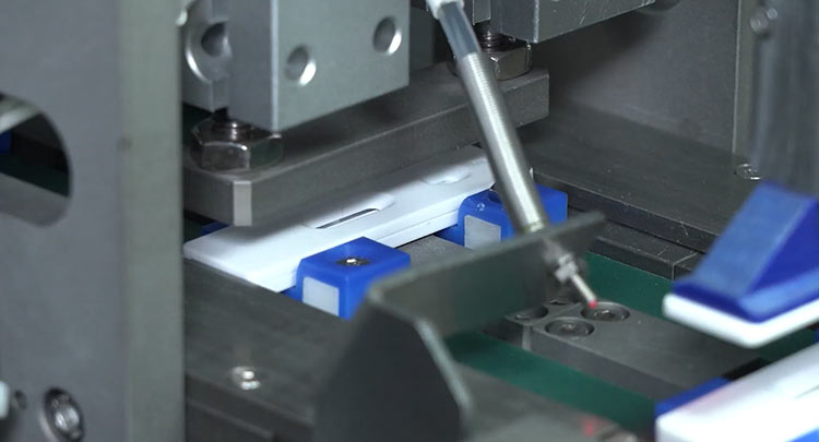 Automatic-Rapid-Test-Packaging