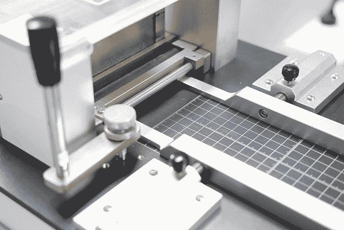 lateral-flow-strip-cutting-machine